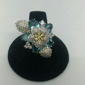 Size 8 Silver-Tone Flower Fashion Ring
